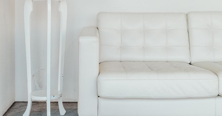 Ako vyčistiť koženú gaučovku? Takto jej vrátite lesk